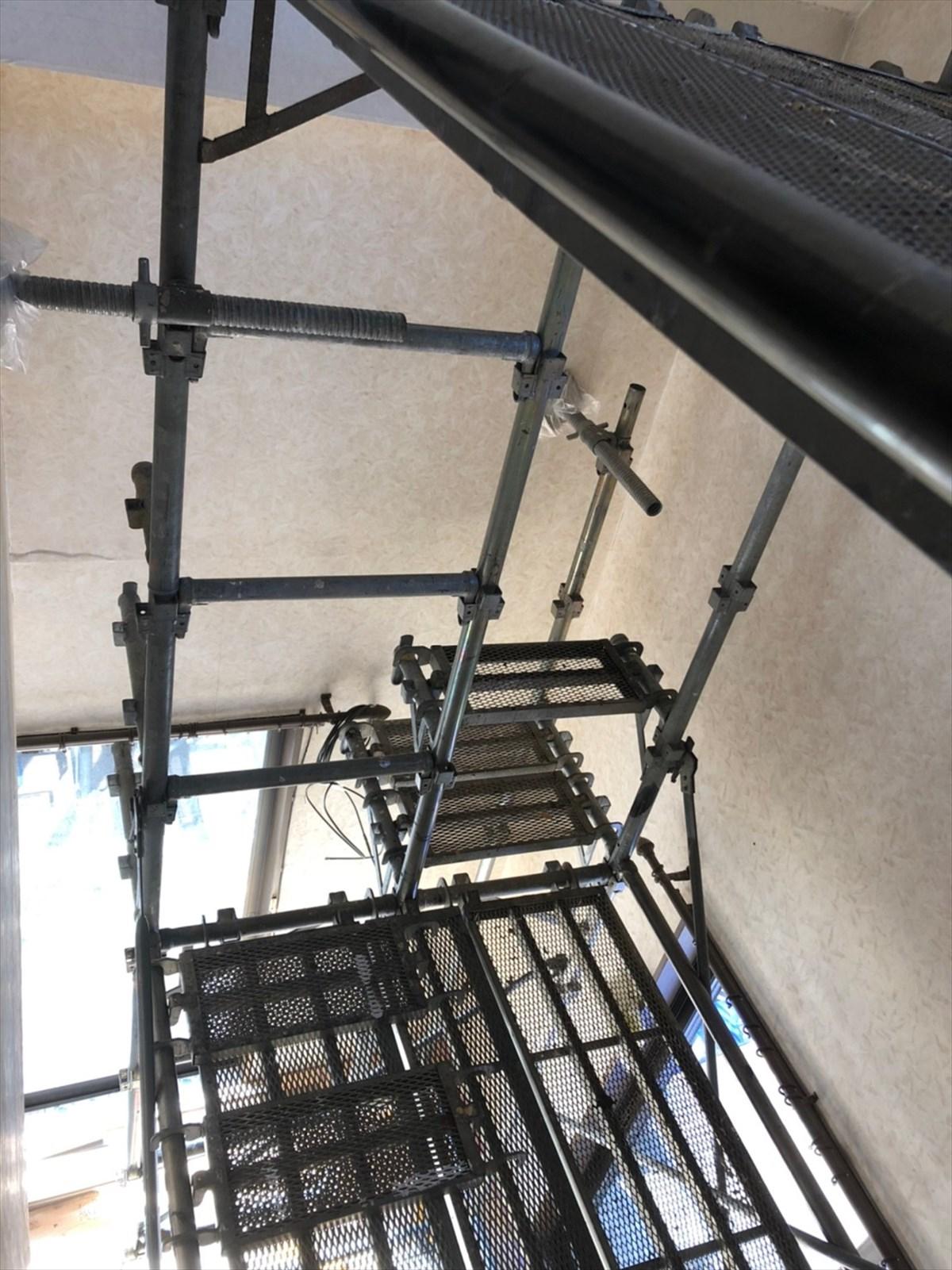 室内に足場を立てるリノベ|横浜リノベーション
