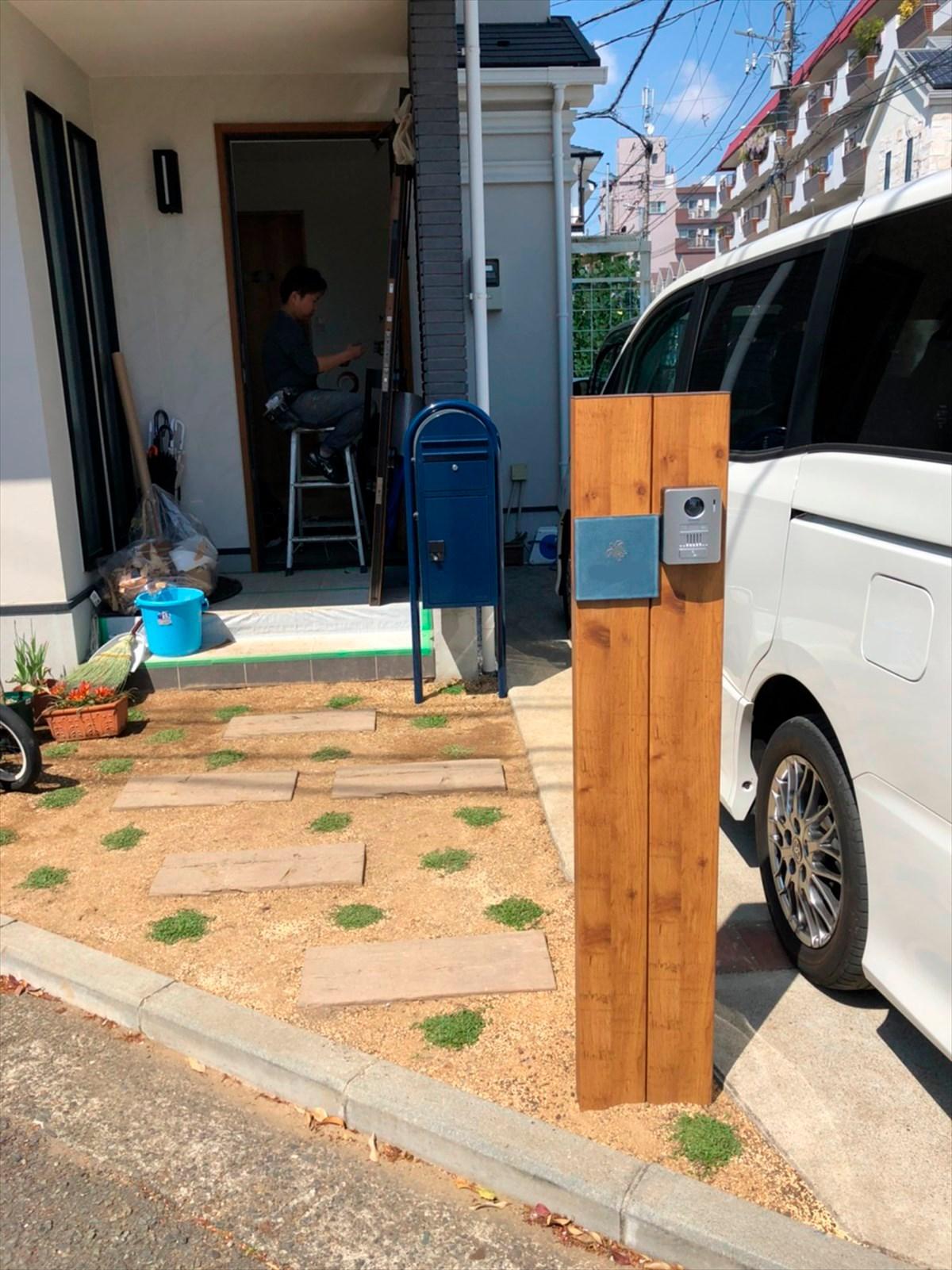 木材と古材を使った玄関ポーチ|横浜リノベーション