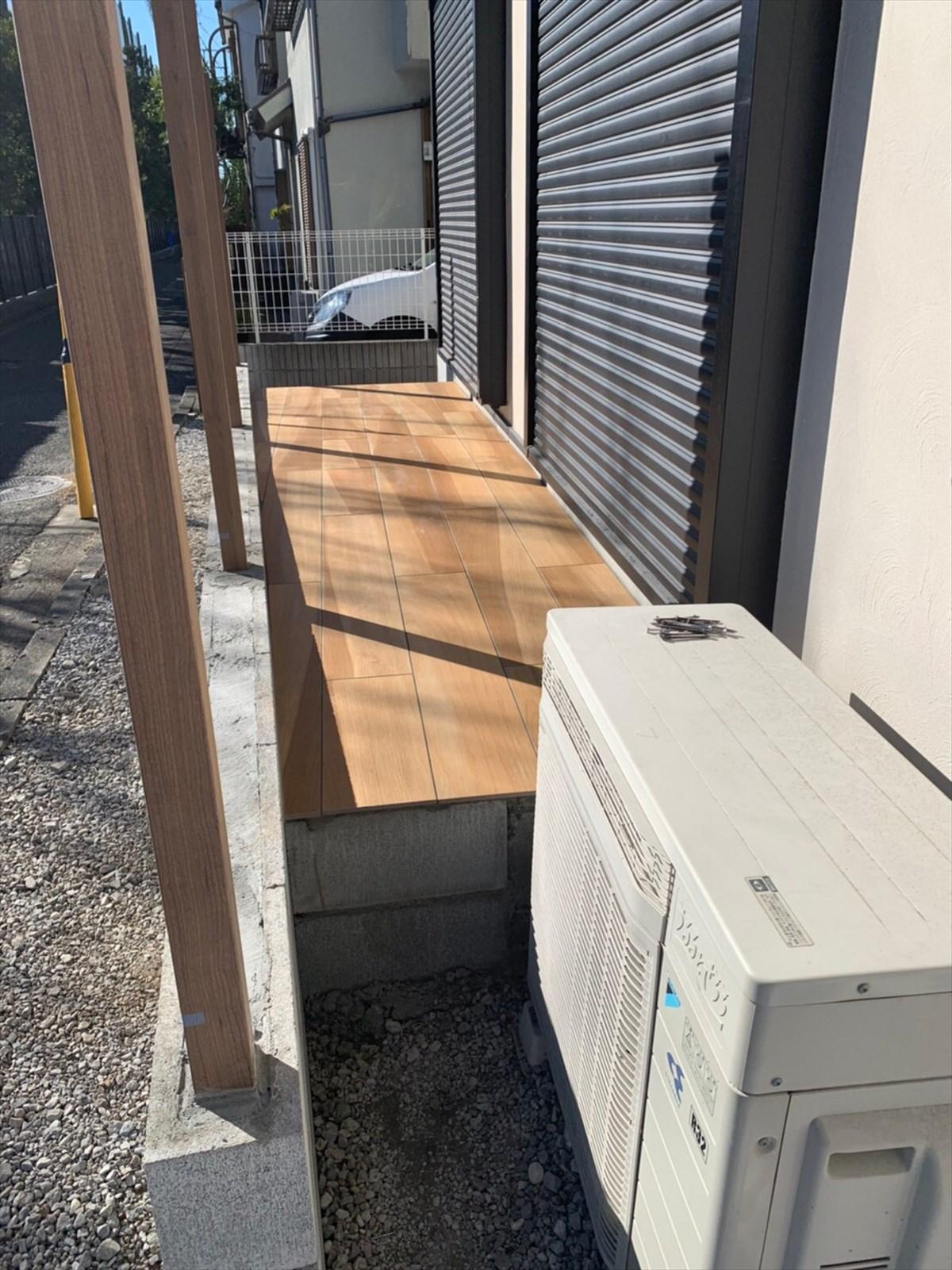 ウッド風の戸建ての屋外スペース|横浜リノベーション