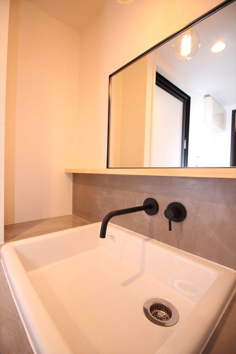 マットな質感でシンプルな形の水栓|横浜リノベーション