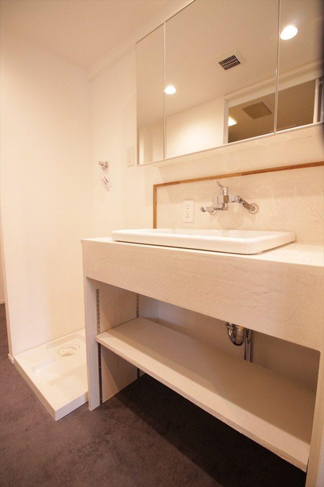 デコリエ仕上げの造作洗面台|横浜リノベーション