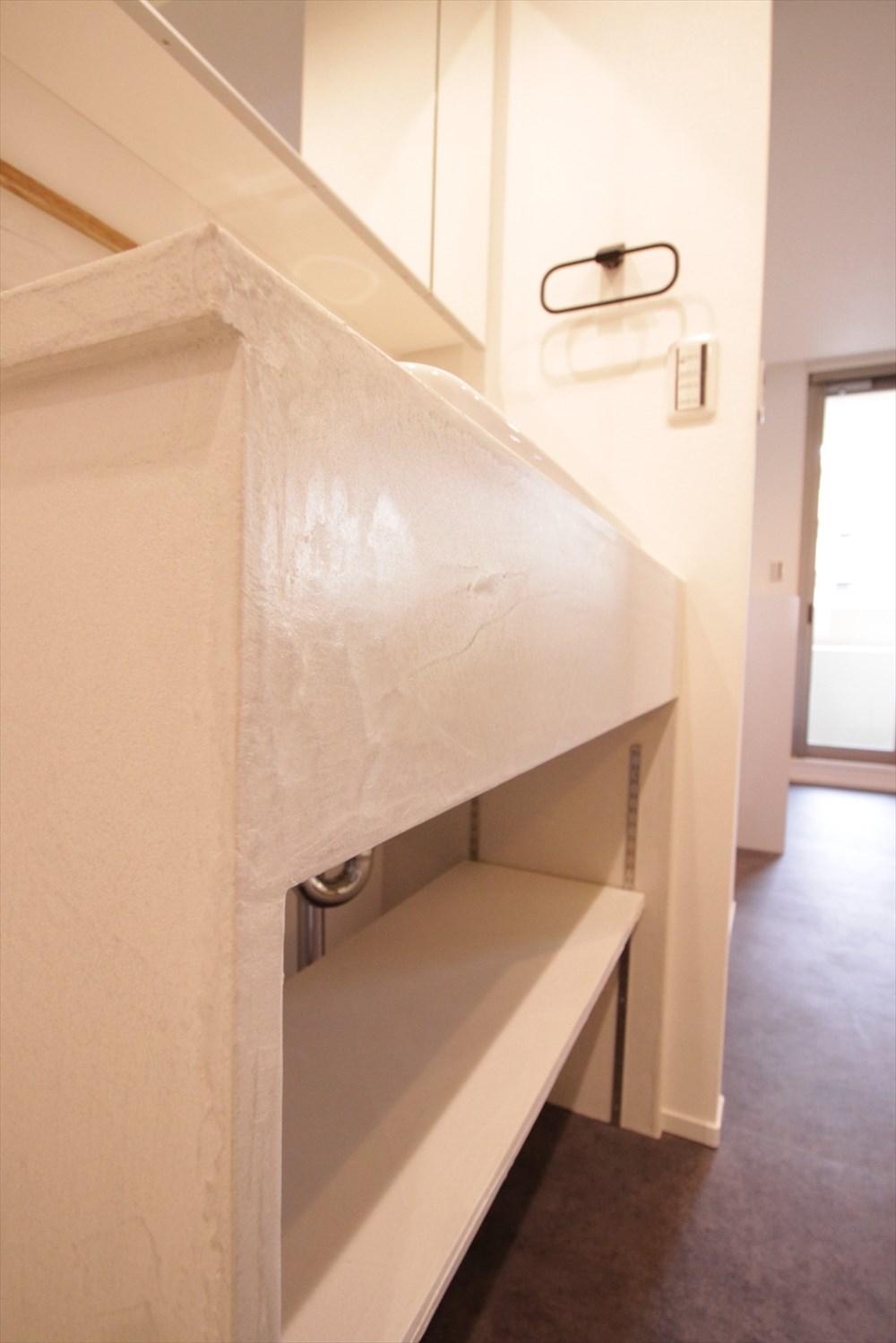 コンクリート質感のデコリエ造作洗面台|リノベーション横浜