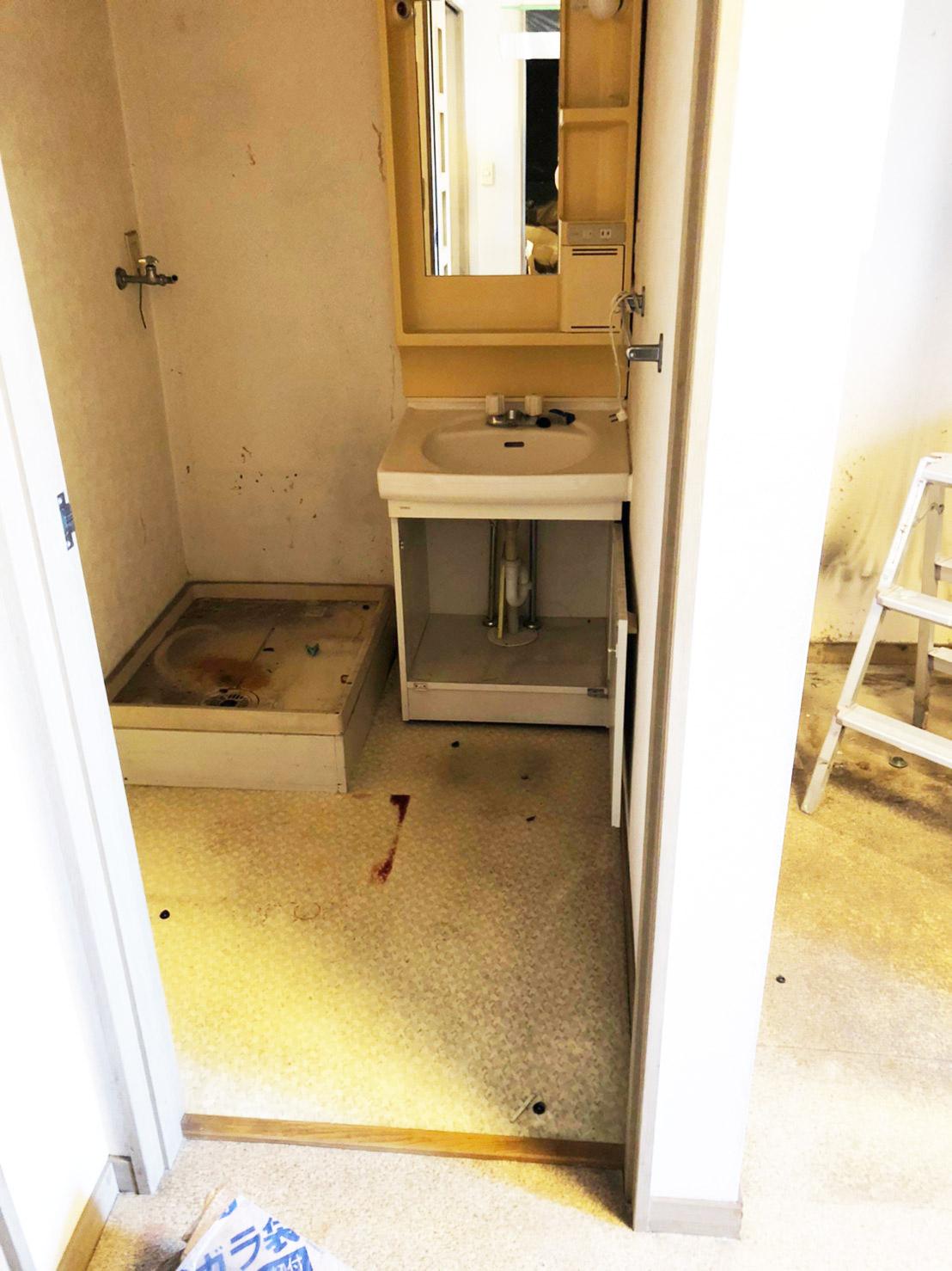 リノベーション前の洗面脱衣所スペース リノベーション横浜