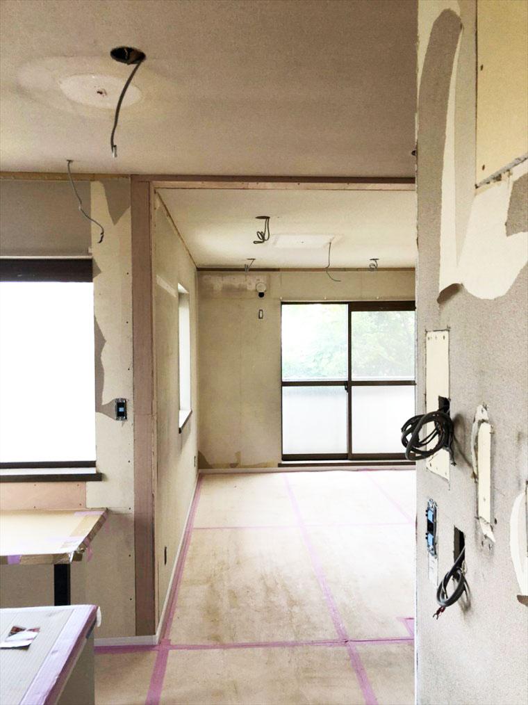 キッチンダイニング横のリビング間取り リノベーション横浜