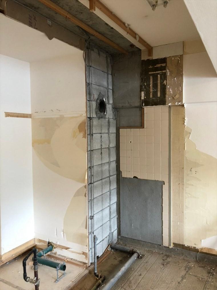 キッチンのダクト位置変更|リノベーション横浜