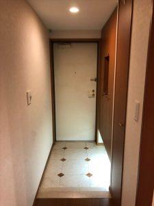 リノベーション前のマンションのエントランス|リノベーション横浜・神奈川