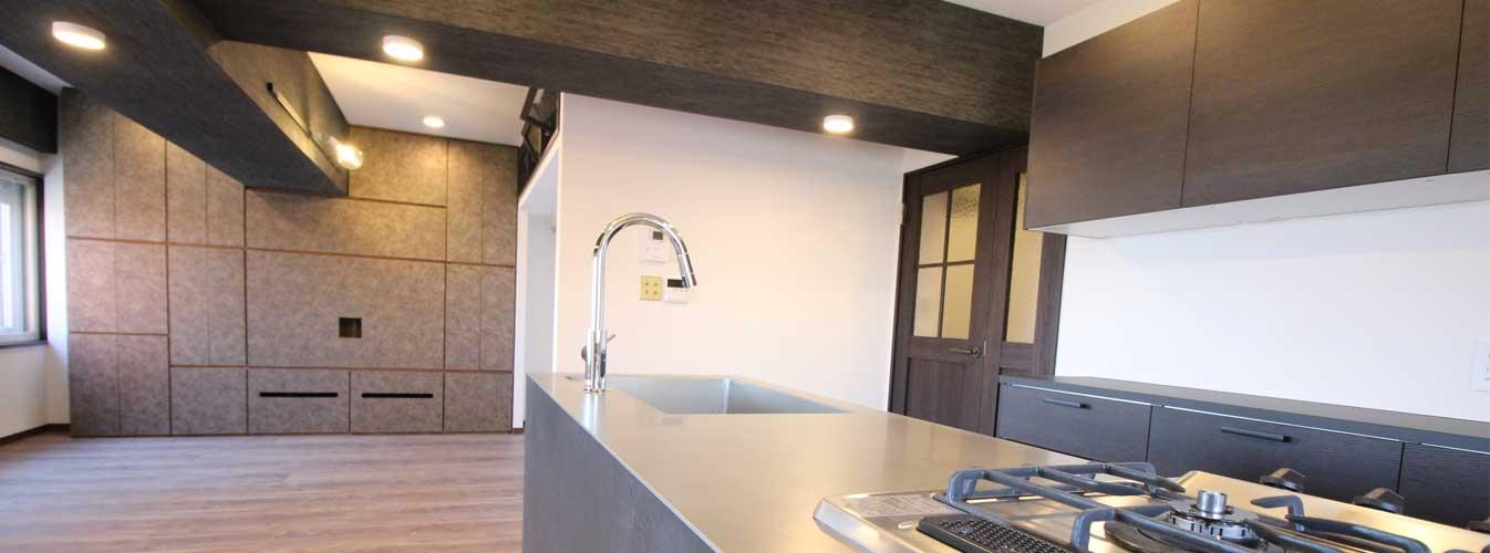 造作家具と造作キッチン施工のLDK画像|横浜リノベーション