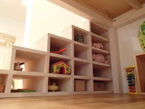 階段を利用したキッズスペースのおもちゃ収納 マンションリノベーション横浜